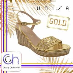 Pour briller de mille feux 🤩 🤩   Nu pied compensé de la marque Unisa en dessus cuir or 😍😍  #nupied #love #or #gold